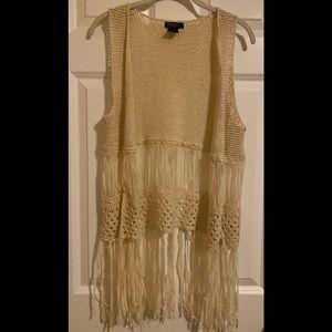 EUC JOE & ELLE cute crochet vest.
